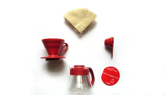 Hario Hand-Kaffeefilter Set exklusiv | V60 Dripper | 1-2 Tassen | rot oder weiss | Made in Japan