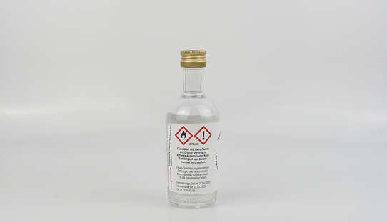 Hand-Desinfektionsmittel von Ginsanity | Viruzid | 50 ml | Made in Germany
